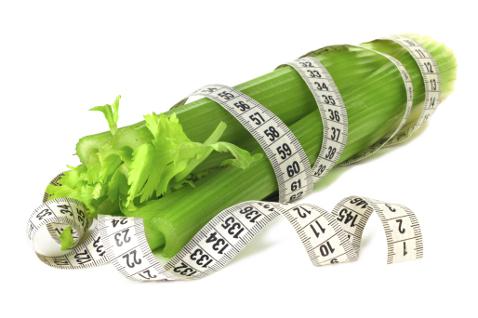 Салати з селерою. 5 рецептів: мінімум калорій, максимум користі. Прості і корисні рецепти приготування селери. Не знаєте як приготувати селера, щоб страва була смачною і корисною? Читайте!