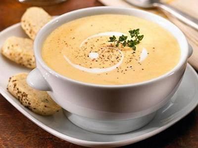"""Суп з креветками, беконом і м'ясом краба """"Гамбо"""". Варіанти супів з креветками – смачно і швидко!"""