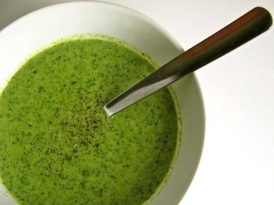 Зелені супи: 4 простих рецепта. Нескладні рецепти приготування супу із зелених овочів і круп
