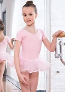 Гімнастичний купальник з спідницею для дівчаток (31 фото): дитячі моделі для купання з спідничкою