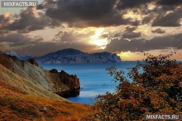 Куди поїхати на вихідні в Криму восени?