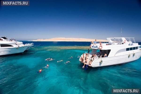 Куди поїхати відпочивати на море в травні де сезон?
