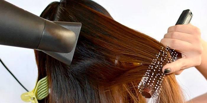 Правила застосування фена для сушіння й укладання волосся