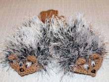 Рукавиці-їжачки (27 фото): в'язані моделі з травички і у вигляді їжака