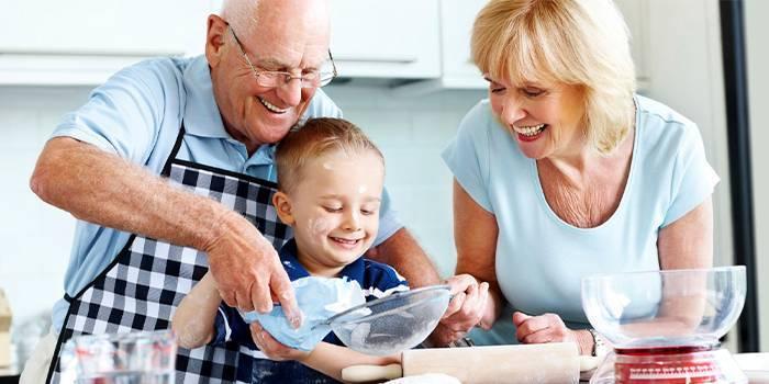 Що дратує бабусь і дідусів у онуках і їх батьків