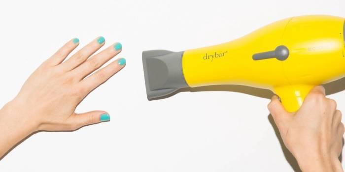 Швидка сушка лаку для нігтів в домашніх умовах