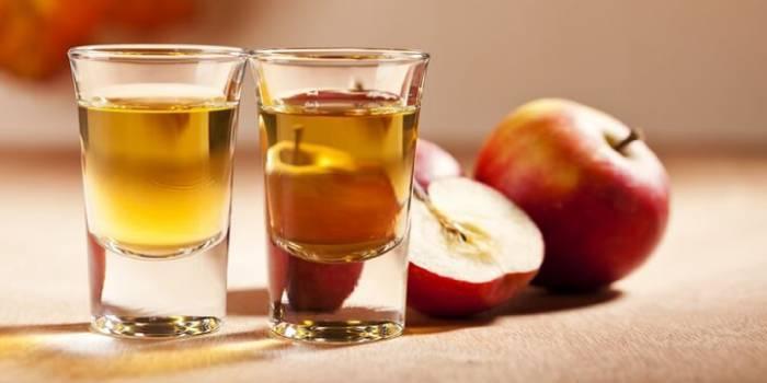 З чого роблять кальвадос і як його правильно пити