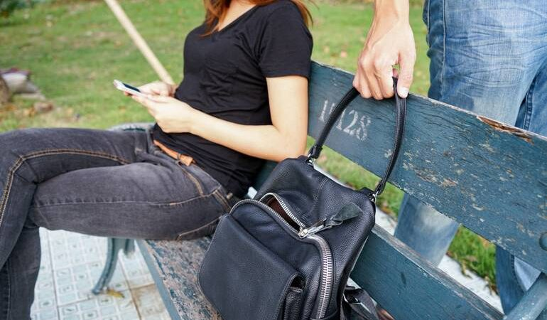 Вкрали сумку по соннику: значення сну, в якому приснилася крадіжка сумочки з грошима та документами