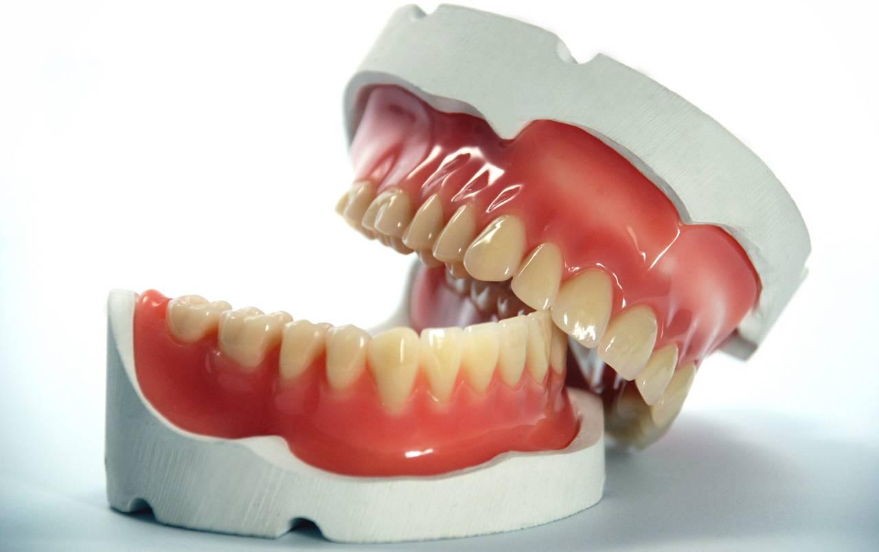 Якщо сняться вставні зуби, про що це може говорити?