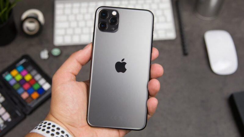 Приобретаем iPhone 11 и различные аксессуары к нему